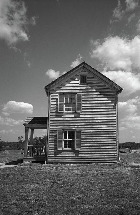 Agriculture Photograph - Farmhouse by Frank Romeo