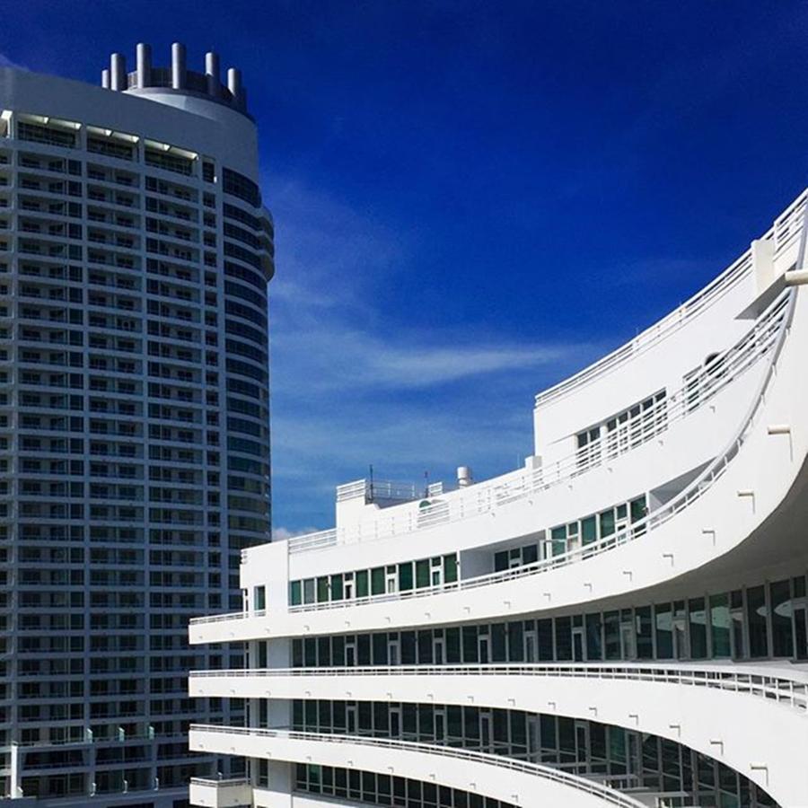 Building Photograph - Fontainebleau Hotel #juansilvaphotos by Juan Silva
