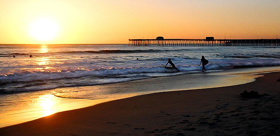 San Clemente Photograph - Good Vibrations by Ron Regalado