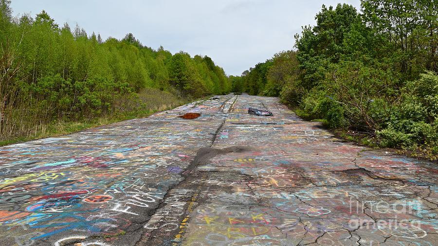 May Photograph - Graffiti Highway, Facing North by Ben Schumin