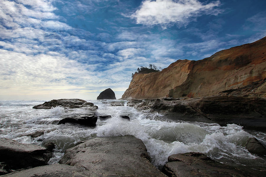 Cape Kiwanda Photograph - Haystack Rock at Cape Kiwanda by David Gn