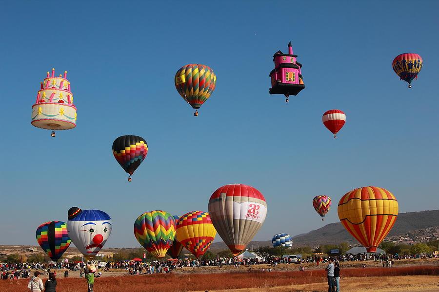 Hot Air Balloon Festival Photograph - Hot Balloon Festival, Leon, Mexico by Robert  McKinstry