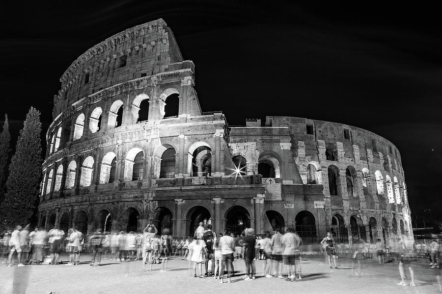 Il Colosseo by John Lattanzio