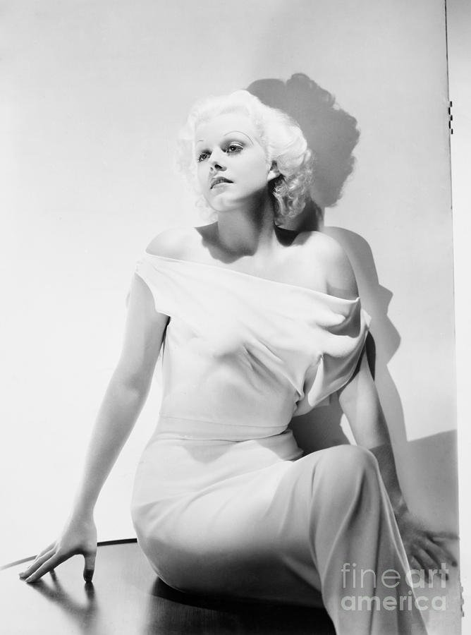 20th Century Photograph - Jean Harlow (1911-1937) by Granger