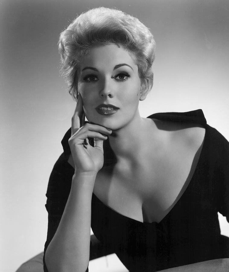 Black Dress Photograph - Kim Novak,1956 by Everett