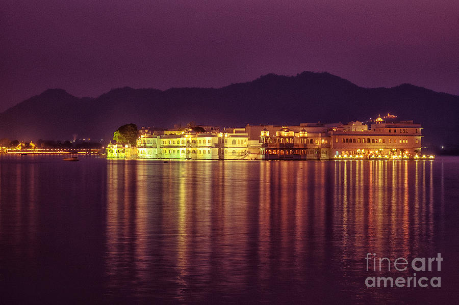 Lake Palace Night Scenery by Yew Kwang