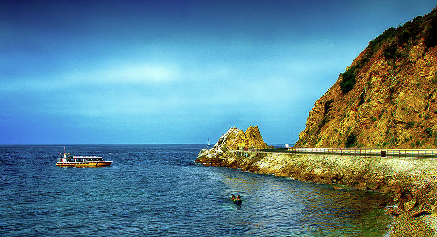 Seascape Photograph - Lovers Cove by Joseph Hollingsworth
