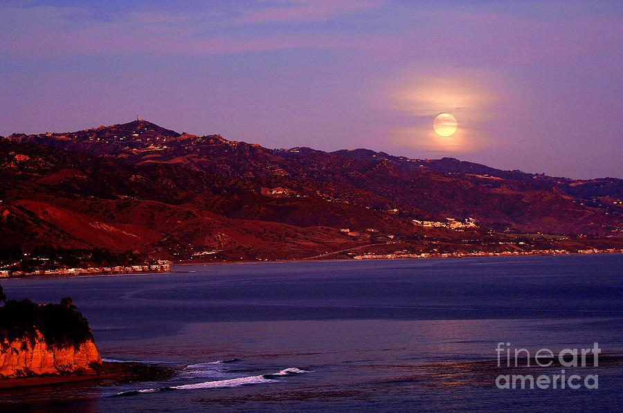 Moonrise Photograph - Malibu Moonrise by Marc Bittan