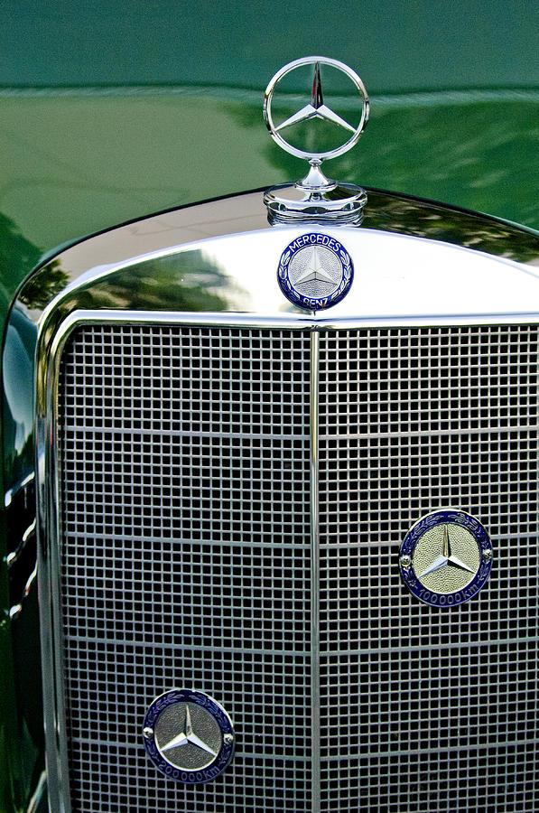 Mercedes Benz Photograph - Mercedes Benz Hood Ornament by Jill Reger