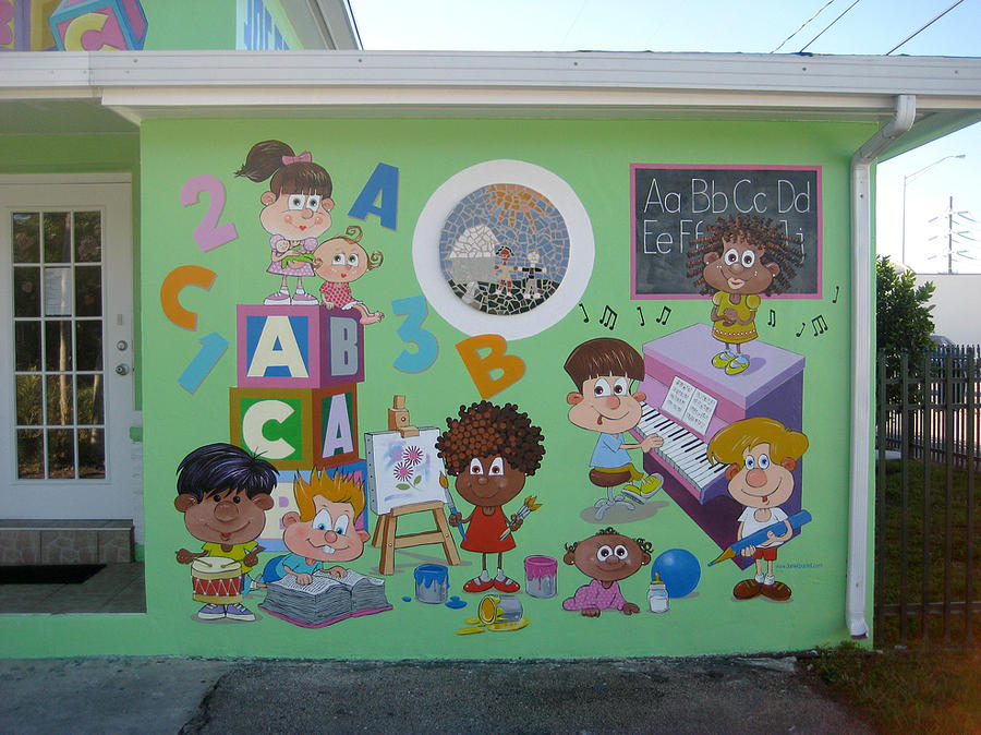 Miami daycare painting by murals by pontet for Classroom wall mural ideas