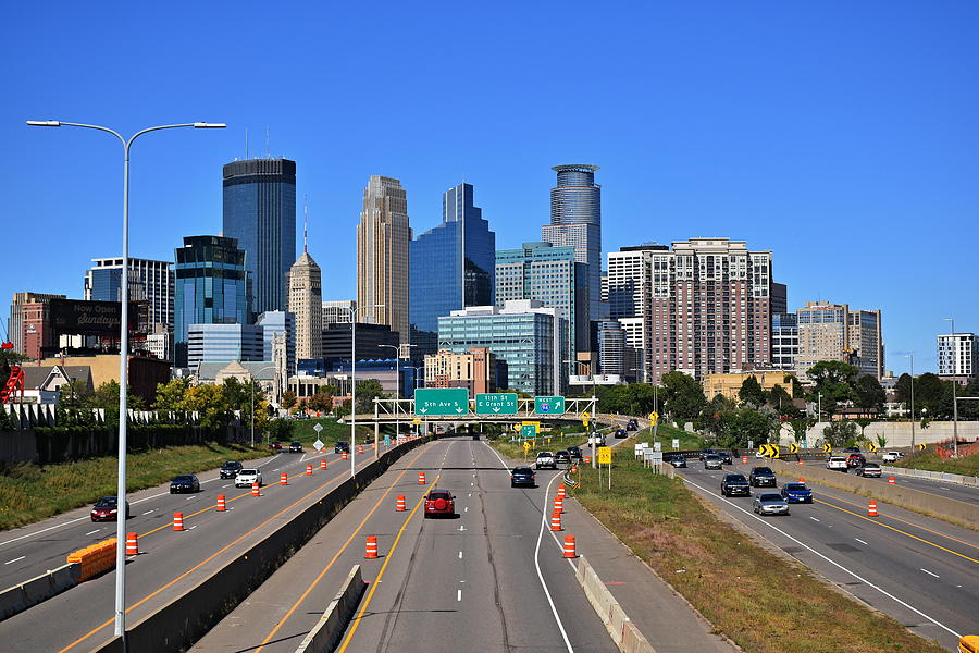 Minneapolis Skyline by Steven Liveoak