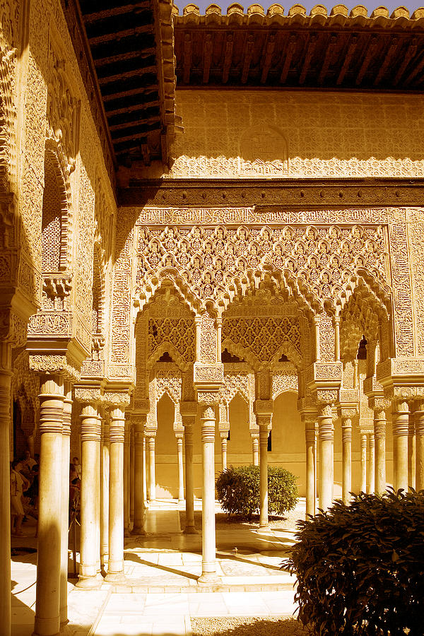 moorish architecture in the nasrid palaces at the alhambra granada