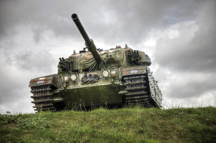 Tank by Gouzel -