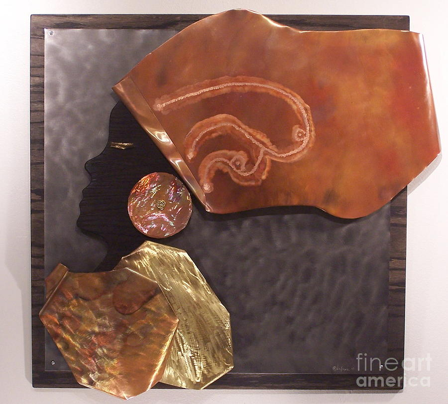 Copper Relief - Queen by Jeff  Williams