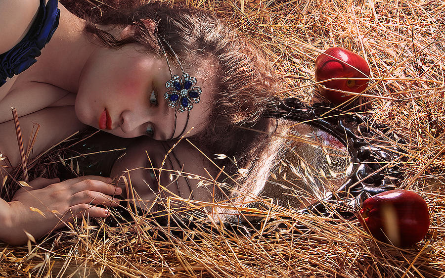 Portrait Photograph - Reflection by Natalia Lakes