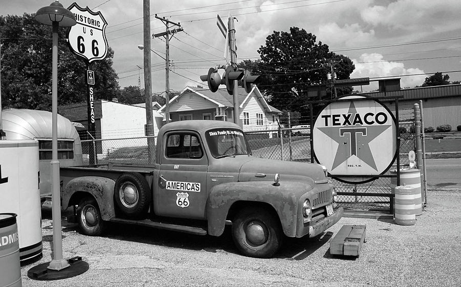 66 photograph route 66 sheas gas station by frank romeo