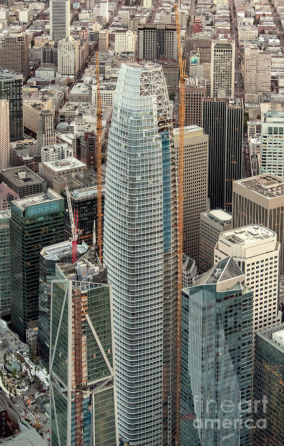 Skyscraper Photograph - Salesforce Tower In San Francisco by David Oppenheimer