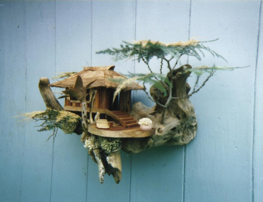 Sculptures Mixed Media - Sand Piper Hale by David Cole