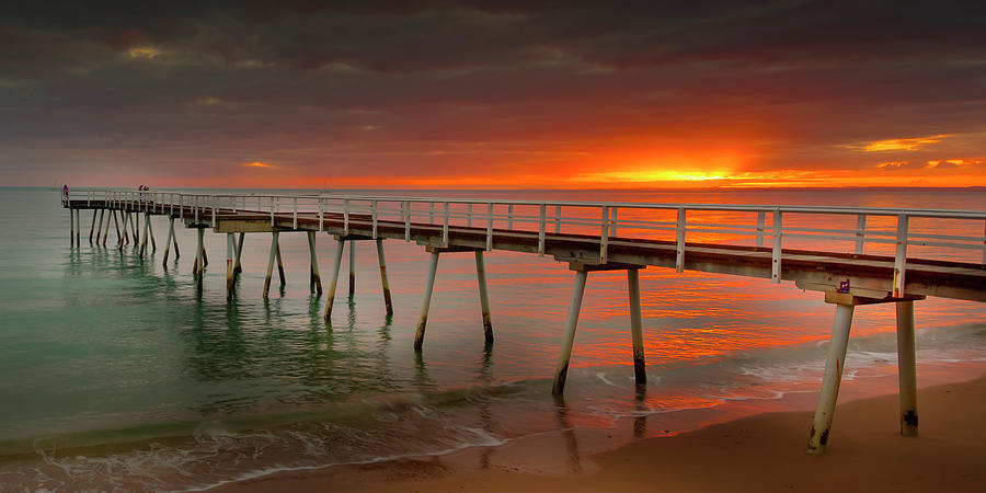 Scarness - Hervey Bay by Michael Lees