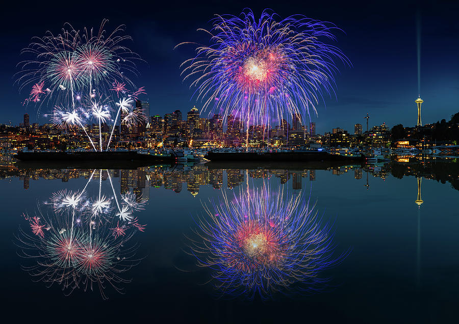 4th Photograph - Seattle Skyline And Fireworks by William Freebilly photography