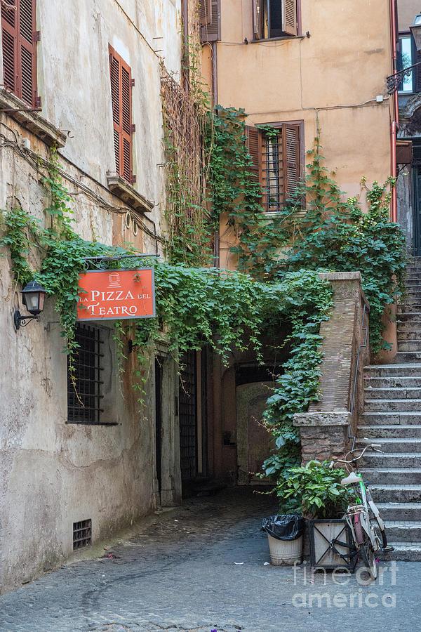 Italia Photograph - Teatro by Joseph Yarbrough