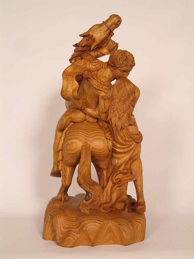 The lovers sculpture by thu nguyen