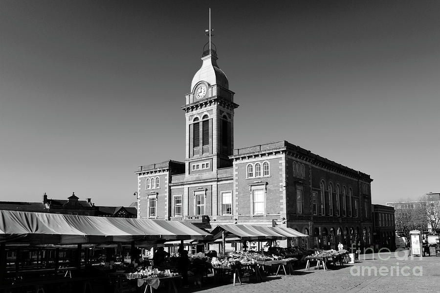 Market Photograph - The Market Hall, Market Square, Chesterfield Town, Derbyshire by Dave Porter