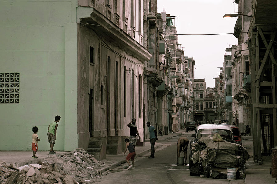 Havana Photograph - The Neighborhood by Paki OMeara