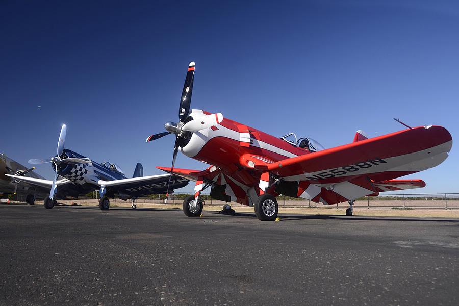 [spécial Hobby]Corsair spécial thomson Trophy ---FINI----- 1-thompson-trophy-goodyear-f2g-corsair-reunion-falcon-field-arizona-december-27-2011-brian-lockett