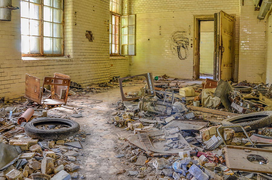 Sanatorium Photograph - Tidy Up by Marie Schleich