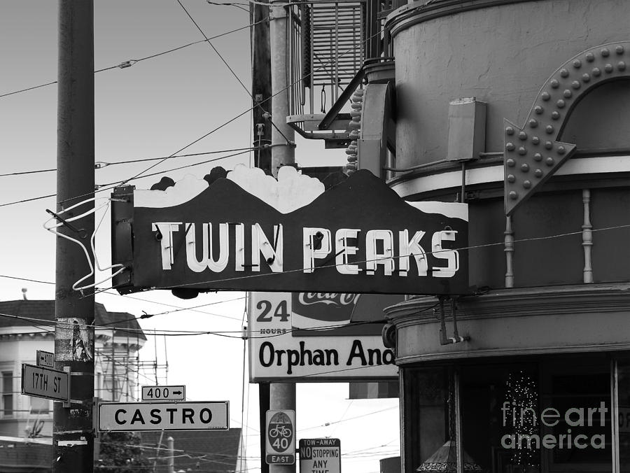 Wingsdomain Photograph - 1 Twin Peaks Bar In San Francisco by Wingsdomain Art and Photography