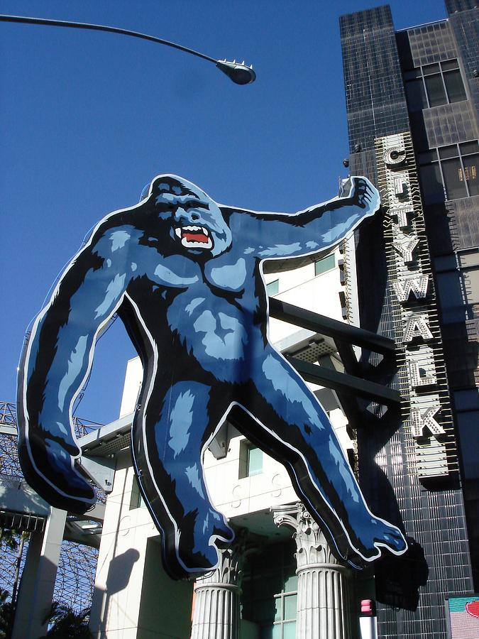 Universal King Kong by Kenny Glover