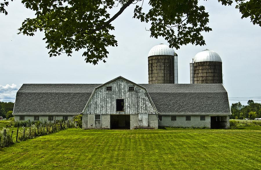 Barn Photograph - Vienna Barn 2 by Pat Carosone