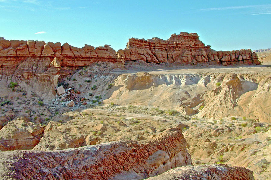 Utah Photograph - Wall Of Goblins On Carmel Canyon Trail In Goblin Valley State Park, Utah by Ruth Hager