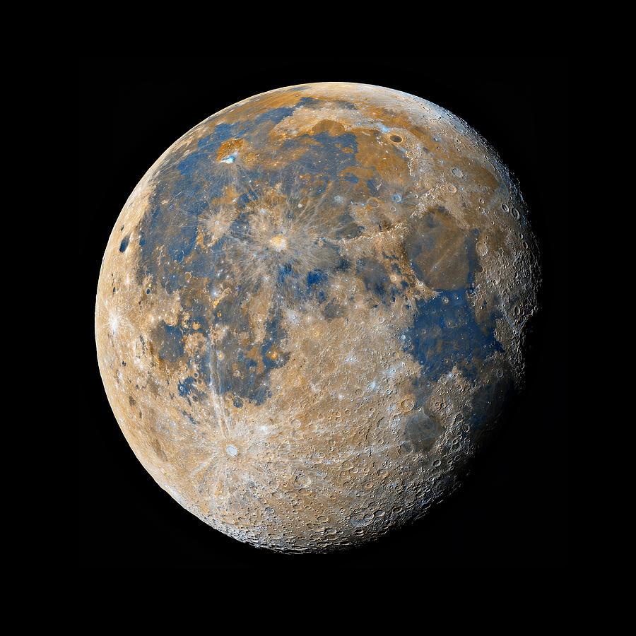 Moon Photograph - Waning Gibbous Moon / Day 18 by Bartosz Wojczynski