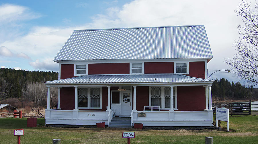 108 Photograph - 108 Mile Road House by Robert Braley