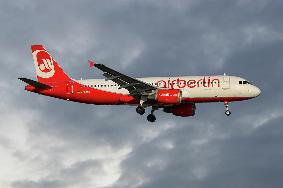 Air Berlin Photograph - Air Berlin Airbus A320-214 by Smart Aviation
