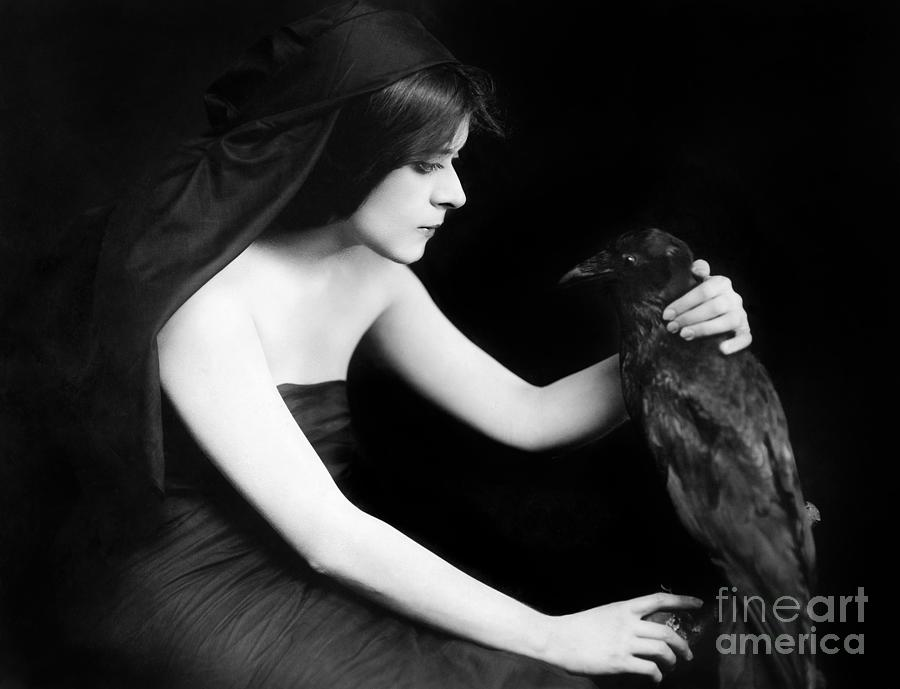 1910s Photograph - Theda Bara (1885-1955) by Granger