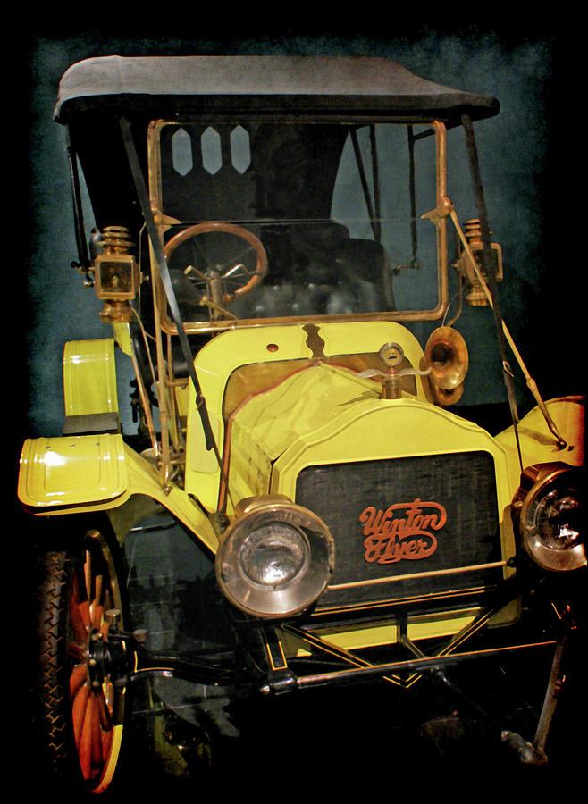 Vintage Autos Photograph - 1904 Winton Flyer by Ernie Echols