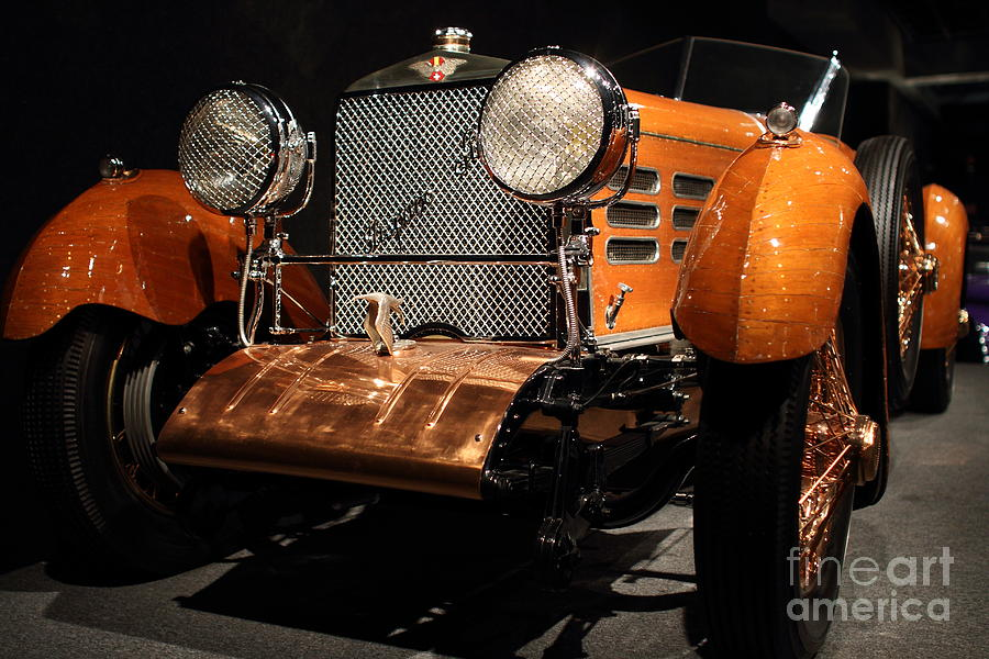 Suiza Photograph - 1924 Hispano Suiza Dubonnet Tulipwood . Grille Angle by Wingsdomain Art and Photography