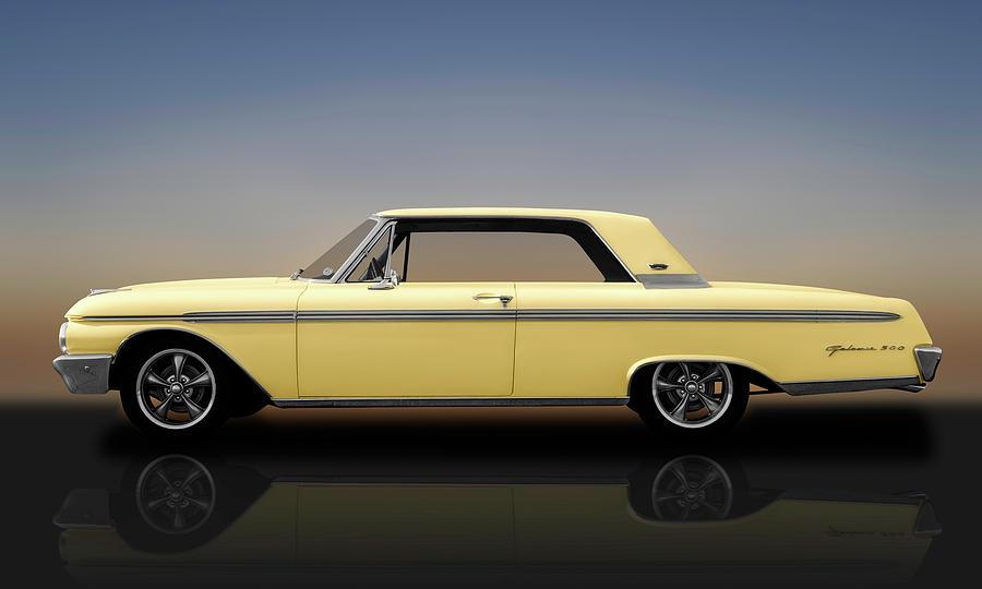 1962 Ford Galaxie 500 2 Door Hardtop - 62fordgalaxie500yelrflct173358
