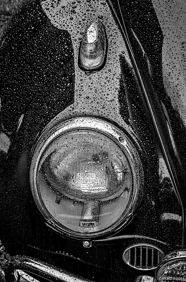 2016 Photograph - 1962 Vw Beetle In The Rain by Ken Morris