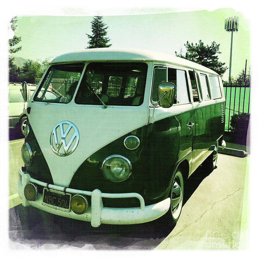 1965 Volkswagen Bus Photograph By Nina Prommer
