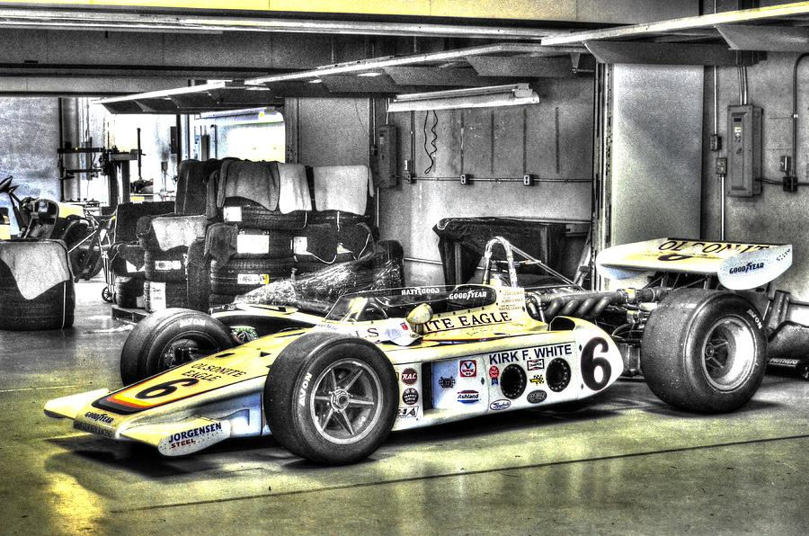 BOBBY UNSER 1972 OLSONITE EAGLE POLE POSITION CAR  by Josh Williams