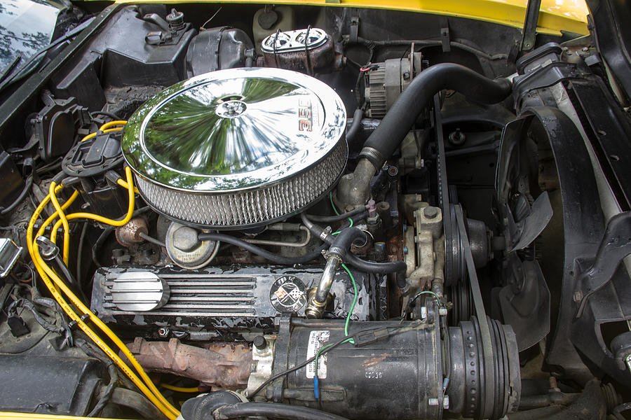 1976 Photograph - 1976 Corvette Sting Ray Original Motor by Robert Kinser