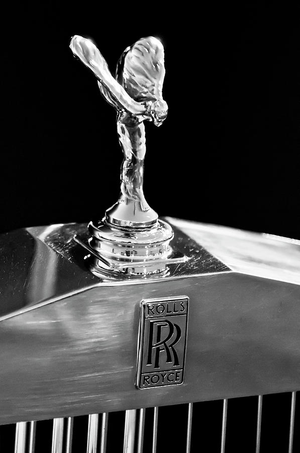 1986 Rolls-royce Photograph - 1986 Rolls-royce Hood Ornament 2 by Jill Reger
