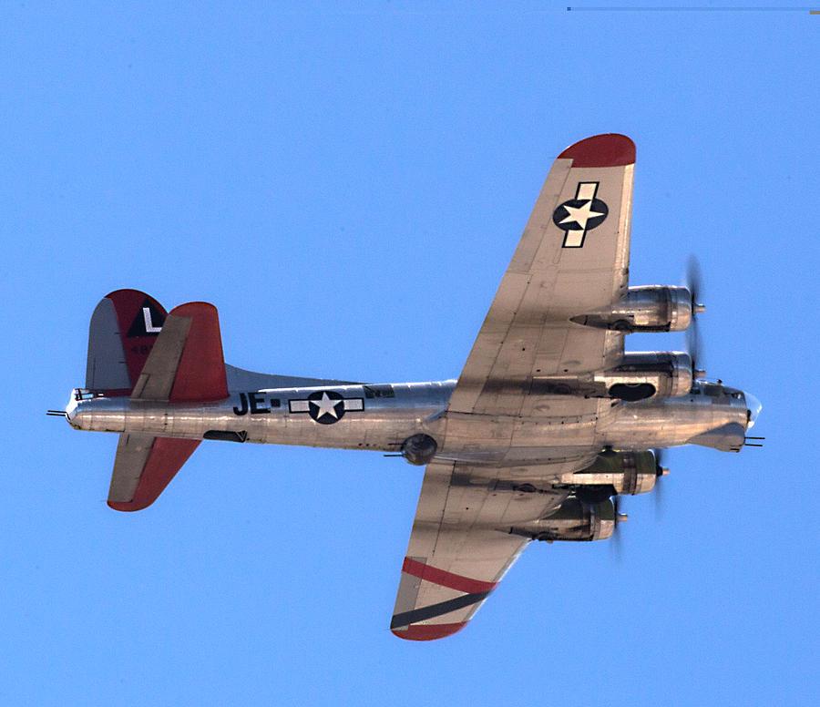 B-17 Bomber Photograph by Dart Humeston