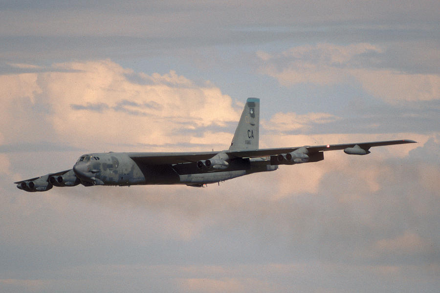 Airplane Photograph - Boeing B-52g Stratofortress 59-2565 93rd Bomb Wing Castle Afb September 17 1992 by Brian Lockett
