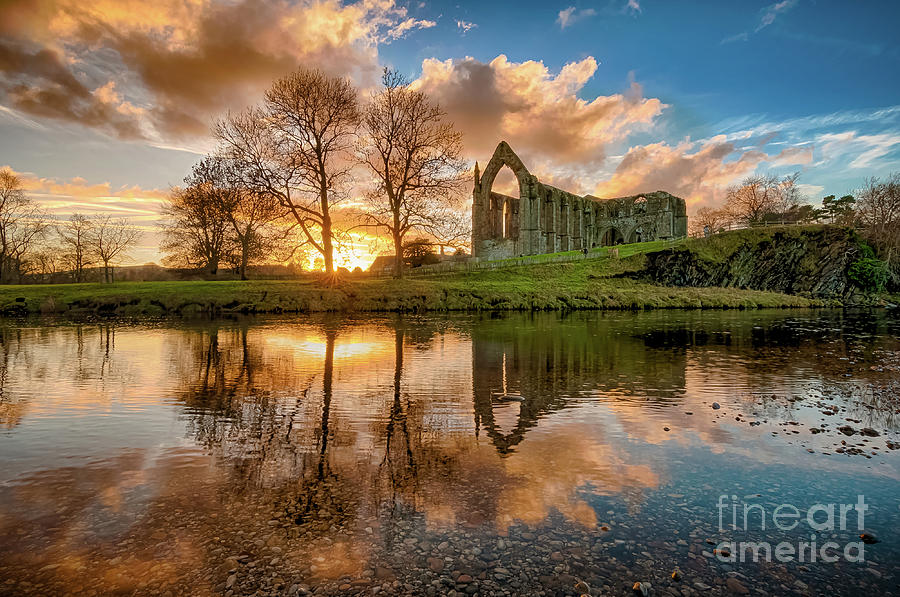 Golden Hour By The River Wharfe Photograph