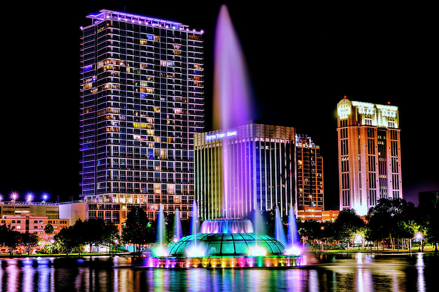 Lake Eola Fountain by Bill Dodsworth